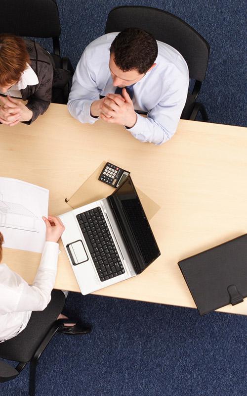 services annexes comme de l'audit, du conseil ou de la maintenance à Evry